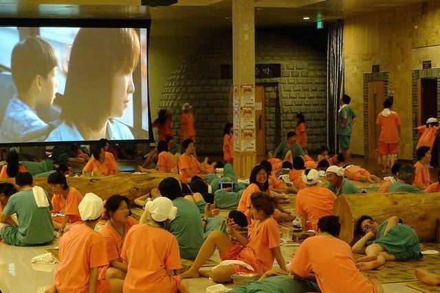 Văn hóa tắm onsen Nhật, jjimjilbang Hàn Quốc và lá thuốc người Dao - 2