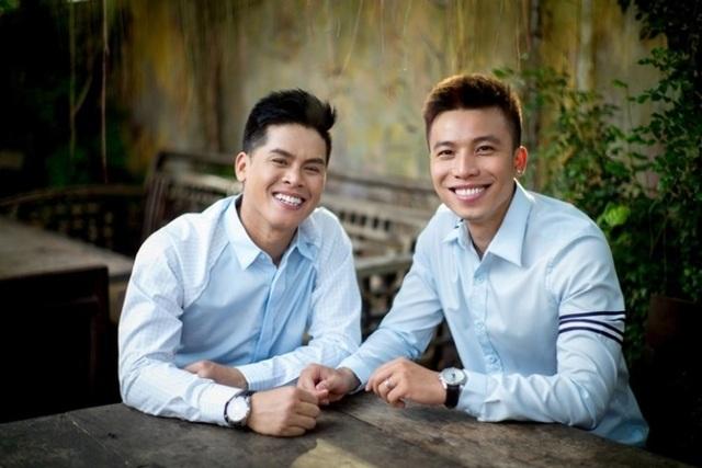 John Huy Trần chia sẻ về cuộc sống sau kết hôn cùng bạn đời đồng giới - 4