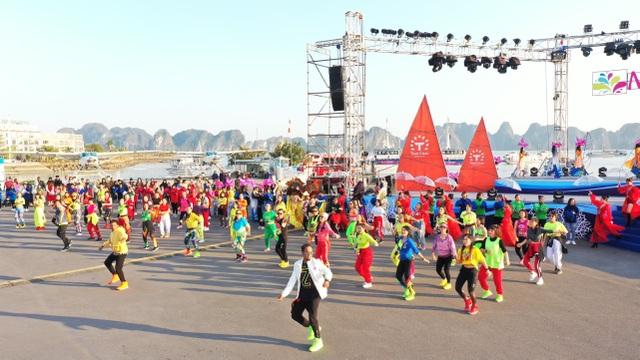 Rực rỡ Lễ hội Carnaval mùa Đông đầu tiên trên Đảo Tuần Châu - 1