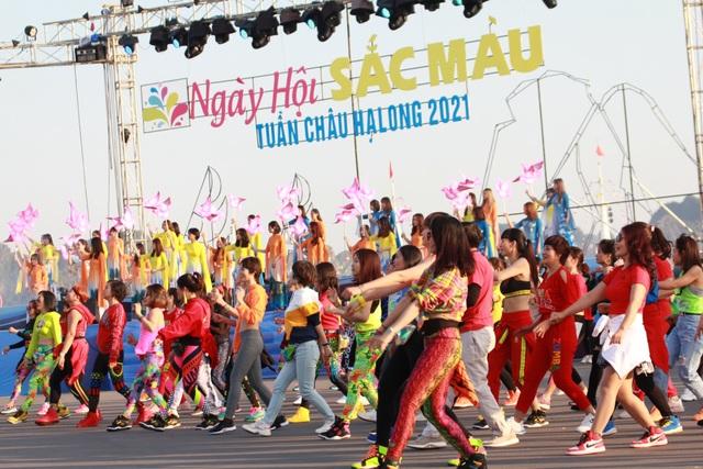 Rực rỡ Lễ hội Carnaval mùa Đông đầu tiên trên Đảo Tuần Châu - 6