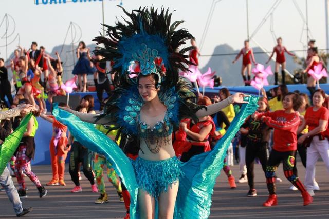 Rực rỡ Lễ hội Carnaval mùa Đông đầu tiên trên Đảo Tuần Châu - 9