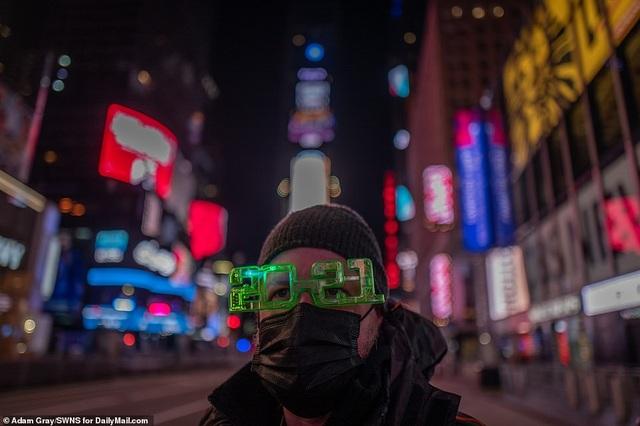 Mỹ đón năm mới 2021 trong nỗi lo dịch bệnh - 10