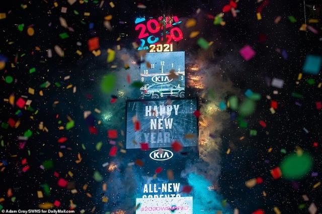 Mỹ đón năm mới 2021 trong nỗi lo dịch bệnh - 3