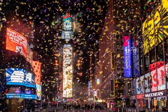 Mỹ đón năm mới 2021 trong nỗi lo dịch bệnh - 7