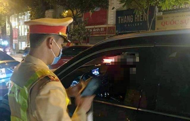 Hà Nội: Nữ tài xế xe Camry say ngất ngưởng đêm giao thừa - 1