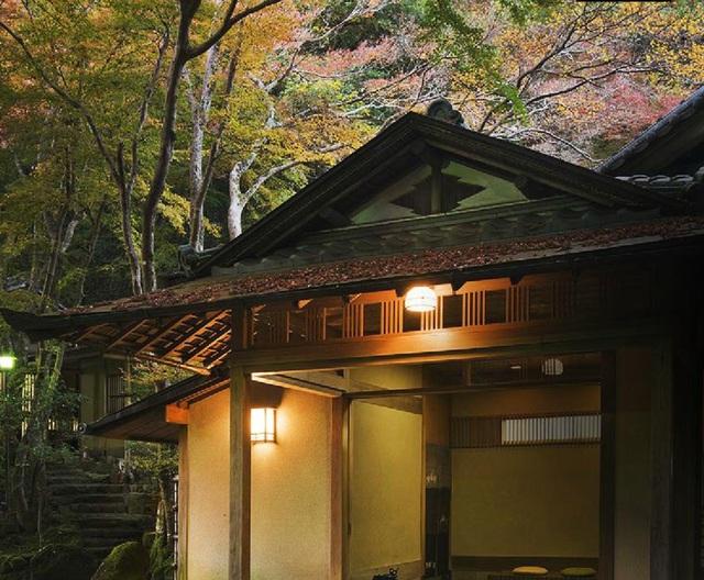 Nhà trọ hạng nhất nằm giữa rừng nguyên sinh cuối cùng ở Nara - 2