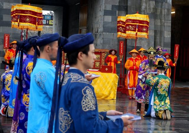 Độc đáo tái hiện lễ ban lịch đầu năm mới của vua Nguyễn - 7