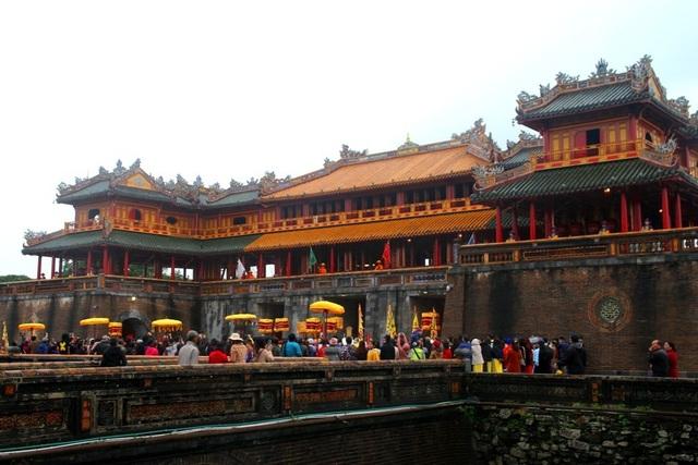 Độc đáo tái hiện lễ ban lịch đầu năm mới của vua Nguyễn - 11