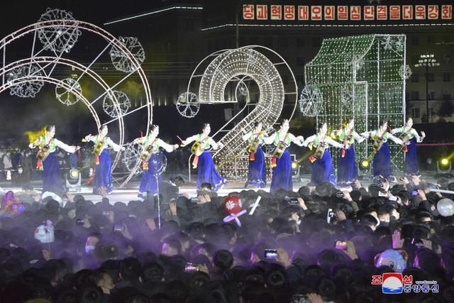 Ông Kim Jong-un hứa làm việc chăm chỉ trong thông điệp mừng năm mới - 10