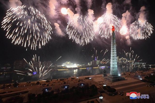 Ông Kim Jong-un hứa làm việc chăm chỉ trong thông điệp mừng năm mới - 7