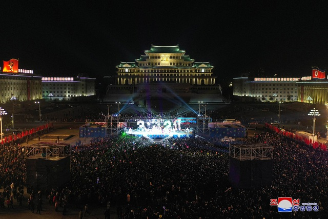 Ông Kim Jong-un hứa làm việc chăm chỉ trong thông điệp mừng năm mới - 4