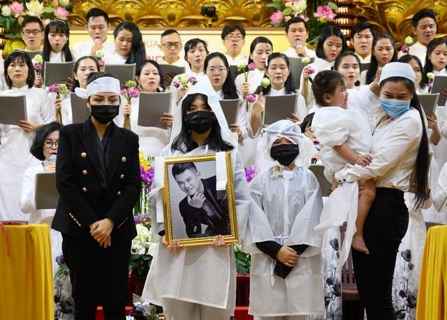 Vợ Vân Quang Long bị lừa 100 triệu đồng vụ đưa hài cốt chồng về Việt Nam - 1
