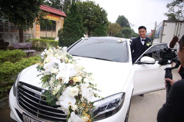 Bùi Tiến Dũng lên xe hoa đón dâu ở Hà Tĩnh - 1