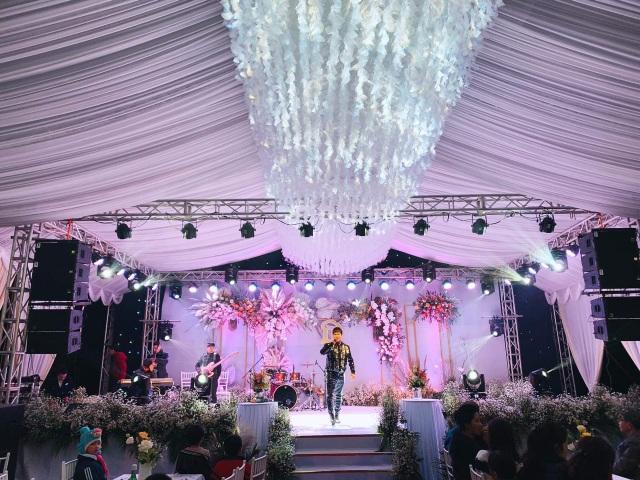 Bùi Tiến Dũng lên xe hoa đón dâu ở Hà Tĩnh - 5
