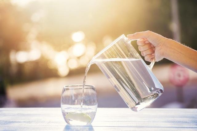 Uống đủ nước: Cách phòng ngừa men gan cao hiệu quả - 2