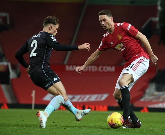 Đánh bại Aston Villa, Man Utd vươn lên bằng điểm Liverpool - 2