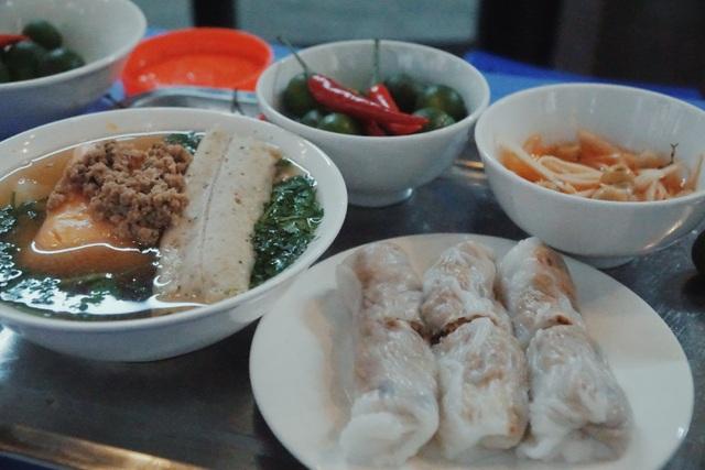 Vợ chồng người Tày cõng đặc sản Cao Bằng về Hà Nội - 3