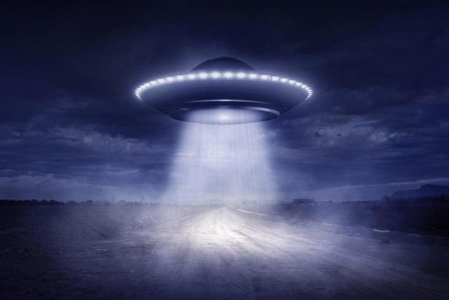 Ông Trump quyết phanh phui bí ẩn về người ngoài hành tinh trước khi mãn nhiệm - 1