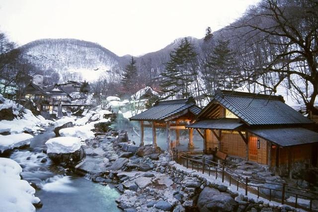 Những onsen ngoài trời đẹp đến nao lòng giữa tuyết trắng mùa đông - 4