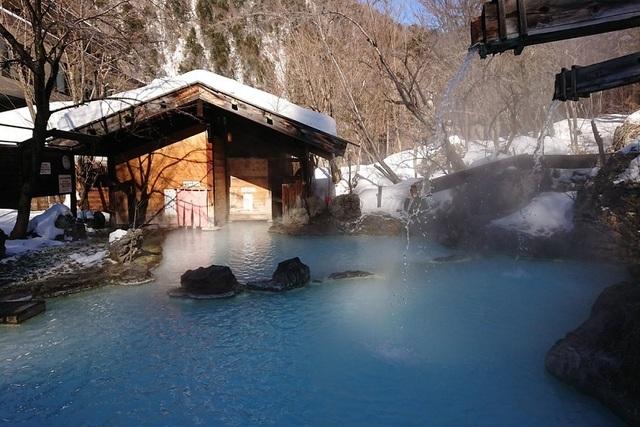 Những onsen ngoài trời đẹp đến nao lòng giữa tuyết trắng mùa đông - 5