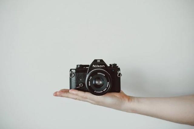 Vì sao máy ảnh analog vẫn sống khỏe và thành biểu tượng trong thời 4.0? - 1