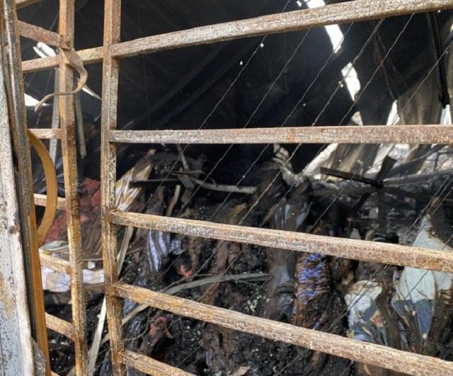 Lửa thiêu rụi nhà xưởng công ty may lớn ở Bình Định - 2