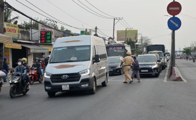 Giao thông cửa ngõ Sài Gòn đông nhưng không tắc - 5