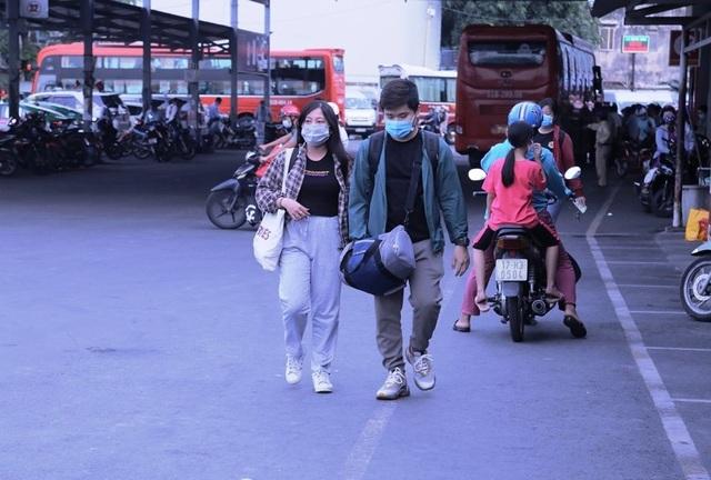 Giao thông cửa ngõ Sài Gòn đông nhưng không tắc - 7