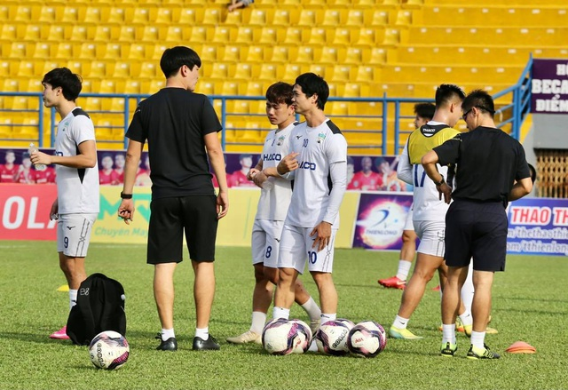 HA Gia Lai hòa Nam Định trong trận đầu HLV Kiatisuk dẫn dắt - 11