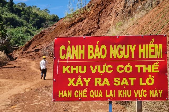 Liên tục sạt lở, con đường hàng trăm tỷ tại Đắk Nông biến mất trong đất đá - 5