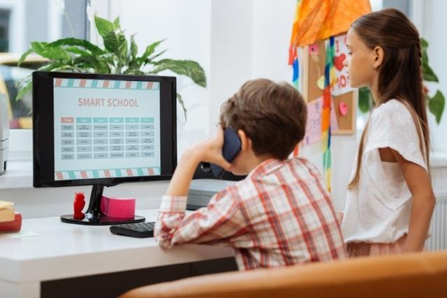 Giáo dục thế giới chuyển mình sang trực tuyến - 3