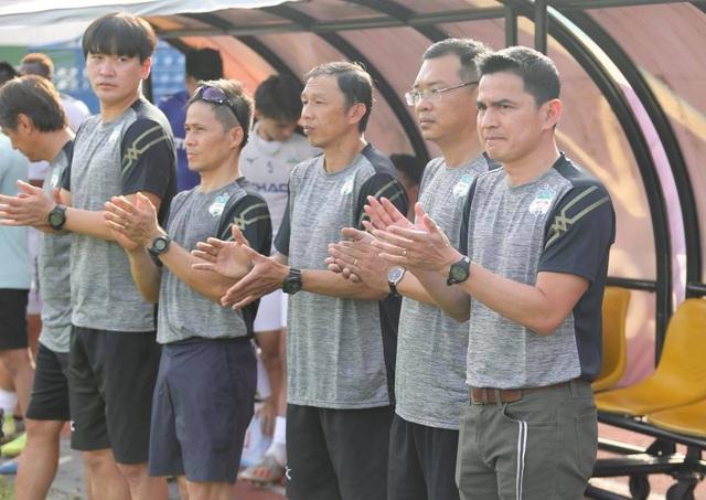 HA Gia Lai hòa Nam Định trong trận đầu HLV Kiatisuk dẫn dắt - 1