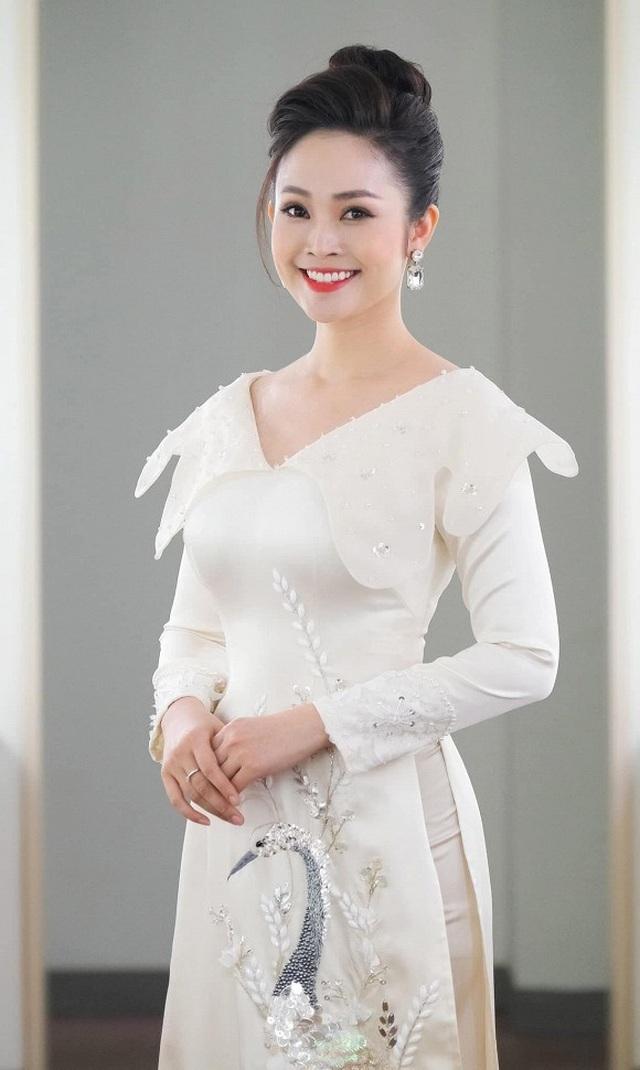 MC sở hữu nụ cười đẹp nhất VTV hạnh phúc rạng ngời bên chồng sắp cưới - 6