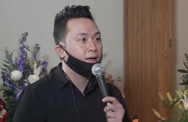 Đồng nghiệp nghẹn ngào khi thấy chiếc micro an táng cùng Vân Quang Long - 5