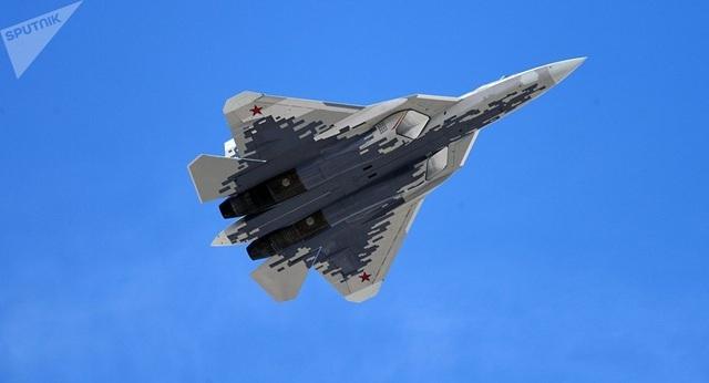 Chuyên gia: Su-57 có thể chiến thắng F-35, F-22 nếu đối đầu trực diện - 1