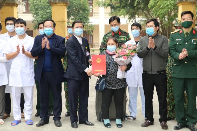 Bệnh nhân Covid-19 cuối cùng điều trị tại Ninh Bình được xuất viện - 1