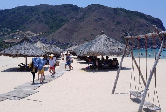 Du khách đến Bình Định dịp Tết Dương lịch tăng 35% - 2