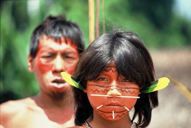 Những tập tục kỳ lạ của bộ tộc sống biệt lập trong rừng sâu Amazon - 5