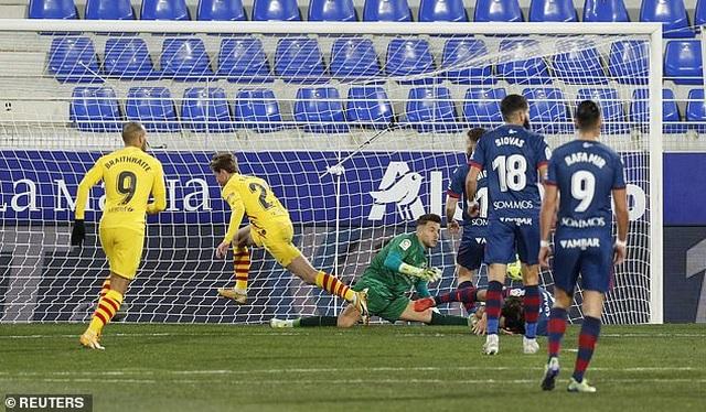 Messi ghi dấu ấn, Barcelona tìm lại mạch chiến thắng - 1