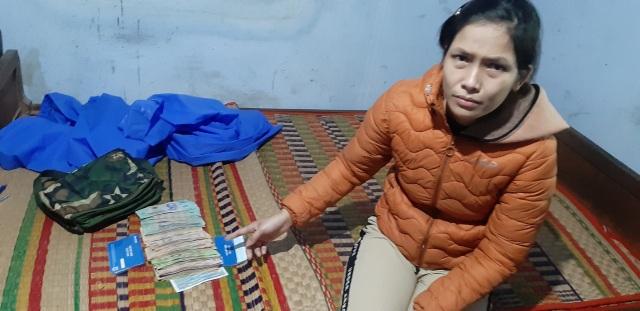 Nữ đạo chích bị bắt quả tang khi trộm hàng chục triệu đồng của tiểu thương - 1