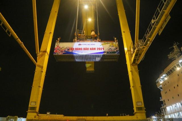 Các cảng biển VIMC đón những tấn hàng đầu năm 2021 - 4
