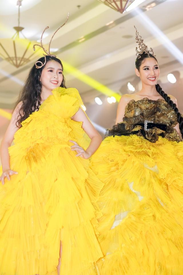 Hoa hậu Hương Giang tái xuất sàn diễn hậu scandal bị tẩy chay - 5