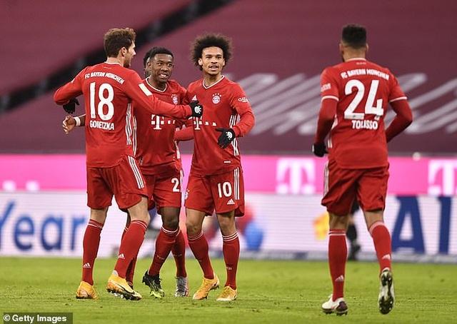 Lewandowski lập cú đúp, Bayern Munich ngược dòng khó tin  - 4