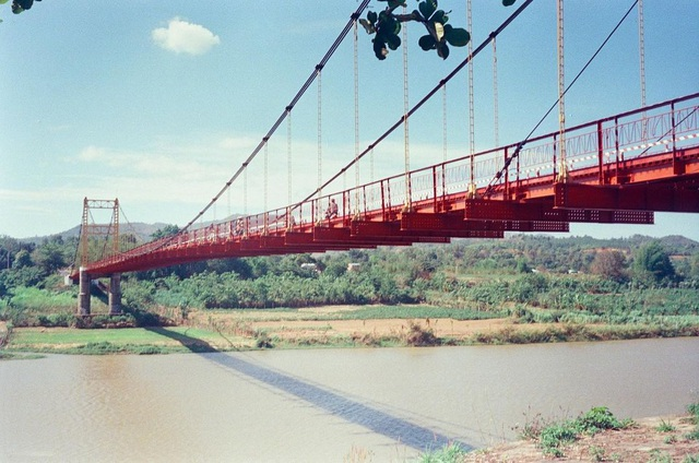 Come to the Central Highlands, do not forget to check-in with the beautiful virtual suspension bridge that loves Kon Klor - 1