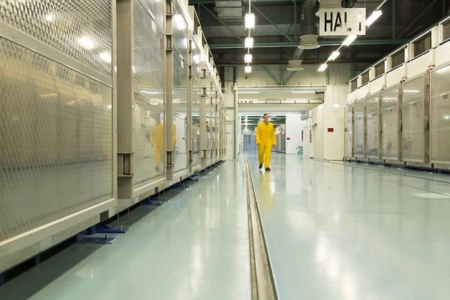 Iran tuyên bố làm giàu uranium tới 20%, Mỹ tố Tehran tống tiền hạt nhân - 1