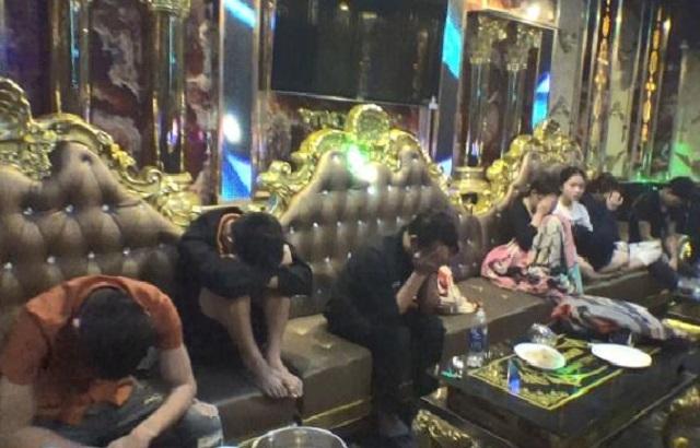 Phát hiện 36 nam, nữ sử dụng ma túy trong quán karaoke - 1