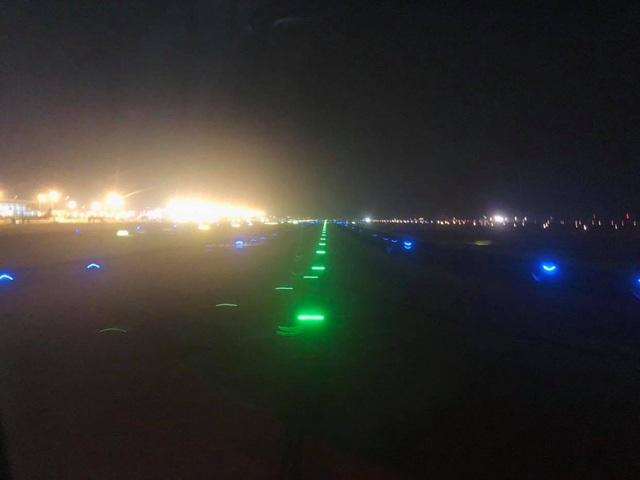 Máy bay không thể hạ cánh xuống Nội Bài vì nghi mèo chạy qua đường băng - 1