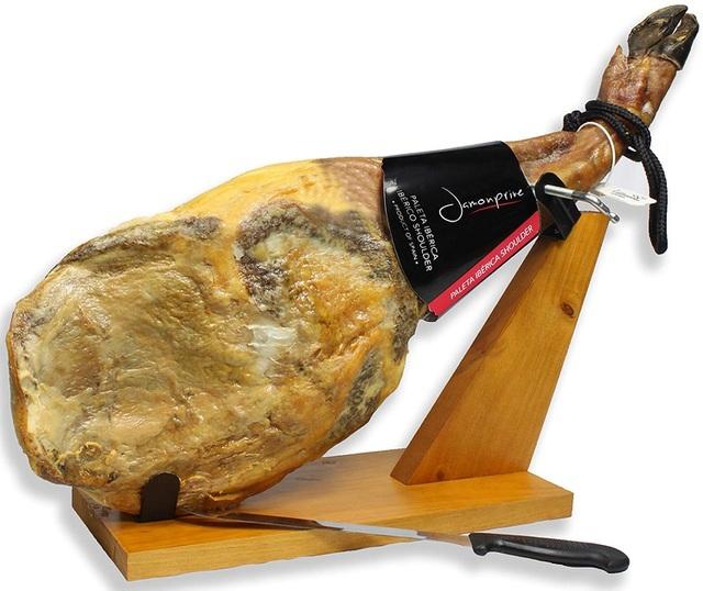 Nhận thù lao hơn 90 triệu cho việc thái thịt đùi lợn mỏng tang như lá lúa - 1