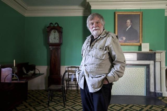 Cụ ông sống miễn phí 30 năm trong dinh thự sang trọng hơn 200 năm tuổi - 9