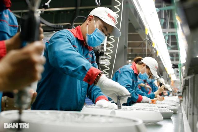 Nghiên cứu đề xuất tăng lương tối thiểu vùng năm 2021 - 1